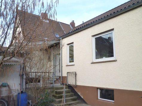 Raunheim, freundliche Doppelhaushälfte (ggf. mit separater Einlieger Wohnung) Garage und Garten, 65479 Raunheim, Haus