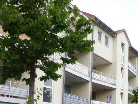 Groß-Gerau, schicke 2-Zi.-ETW mit Loggia und TG-Platz, 64521 Gross-Gerau, Etagenwohnung