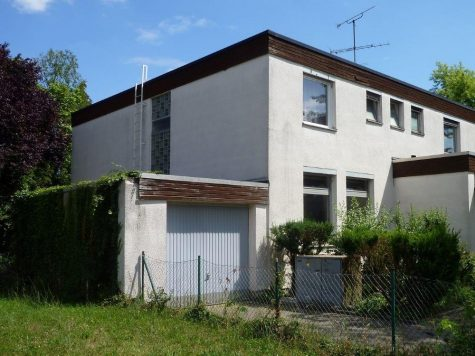 Darmstadt-Eberstadt, freundliches Mehrparteienhaus mit vielfältigen Nutzungsmöglichkeiten, 64297 Darmstadt, Mehrfamilienhaus