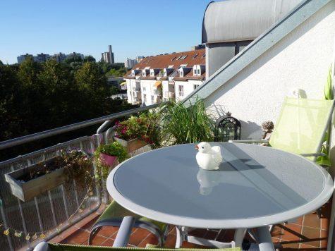 Darmstadt, attraktive 3-4 Zi.-Eigentumswohnung mit Flair im Dachgeschoss, 64289 Darmstadt, Maisonettewohnung