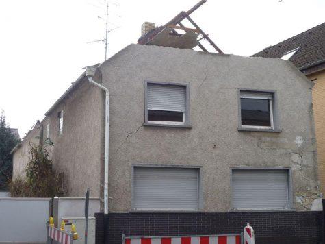 Weiterstadt, modernisierungsbedürftiges Einfamilienhaus im Stadtkern, 64331 Weiterstadt, Einfamilienhaus