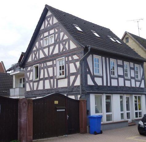 Uriges Wohnen in Gross-Gerau mit historischem Flair, 64521 Gross-Gerau, Mehrfamilienhaus